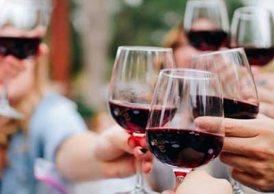 Argentina entre los 10 países que más consumen vino